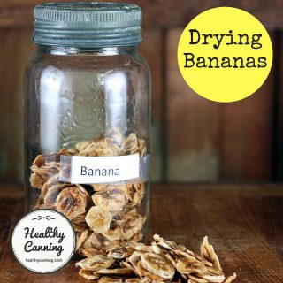 Drying bananas