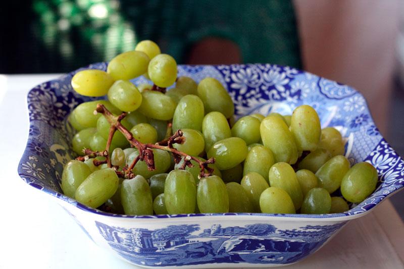 grape-jelly-white-grapes