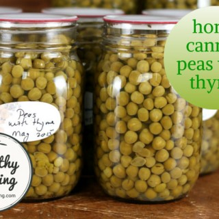 Canned peas with thyme