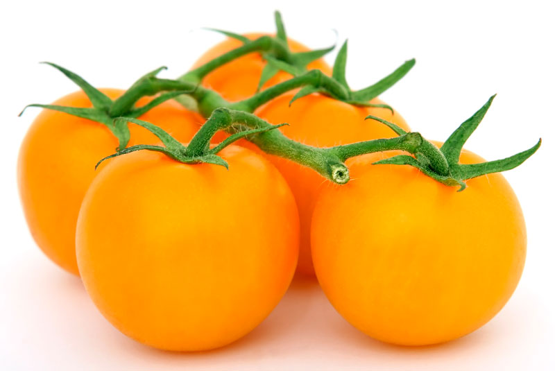 Orange Tomatoes. Robert Owen-Wahl / Pixabay.com / 2006/ CC0 1.0