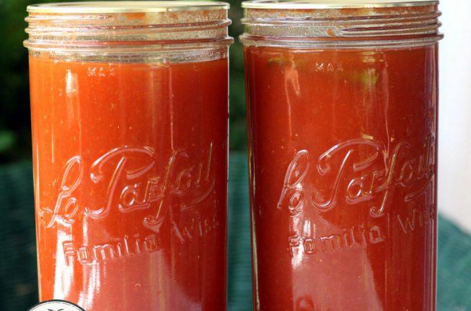 Tomato sauce in 1.5 litre (quart) jars