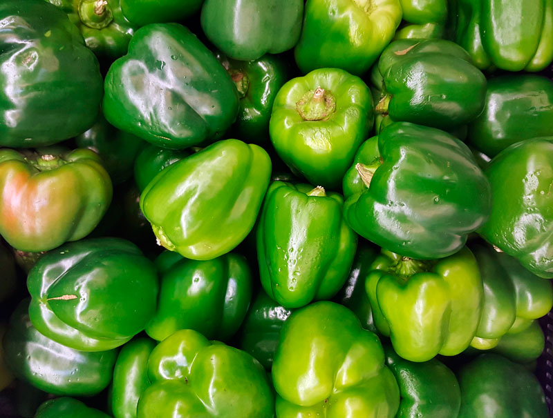 Green bell peppers, mild, and tending to sweet. Brett Hondow / Pixabay.com / 2016 / CC0 1.0
